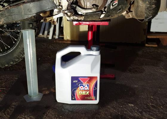 Cambiar aceite moto enduro 2t